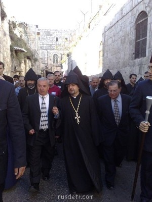 Иерусалим - 450px-Ключ_храма_Воскресения_2.jpg